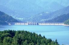 Lacul Izvorul Muntelui şi barajul