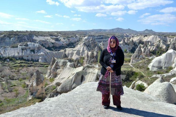 Fatima explică formarea reliefului Cappadociei