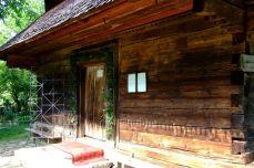 Intrarea în mănăstirea din Desești