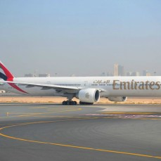Dubai International Airport - Boeing 777 Emirates, gata de decolare