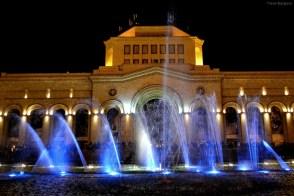 Piaţa Republicii - spectacol de lumini, muzică şi fântâni