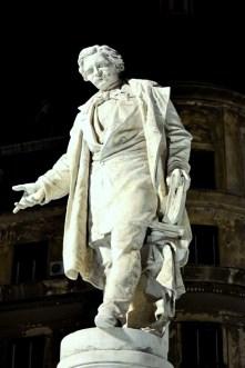 Statuia lui Ion Heliade Rădulescu de la Universitate