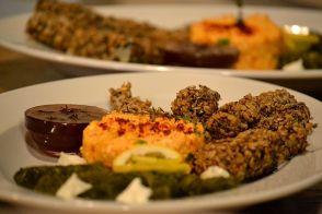 Preparatele mediteraneene merg de minune cu uleiul de măsline extravirgin