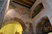 Rămășițe bizantine în interiorul bisericii