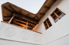La conace - Casa cu Blazoane