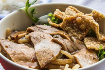 Cao Lau, specialitate tipică din Hội An