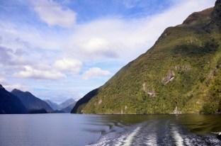Sailing along Doubtful Sound