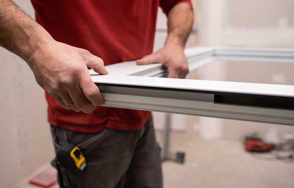 Comment changer la vitre cassé dans un châssis de fenêtre en aluminium