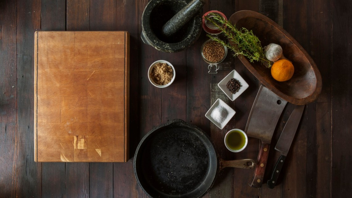 food-kitchen-cutting-board