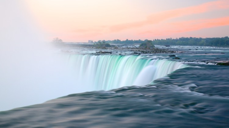 NIagara Falls Video Guide - Expedia