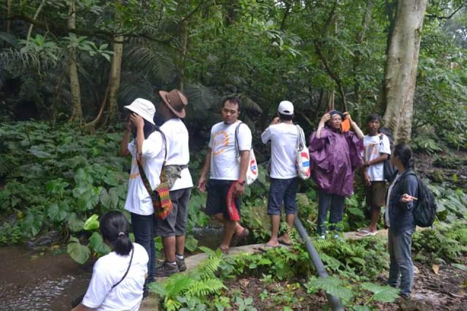Travel Bloggers Indonesia Menyambangi Desa Bayan, Lombok Utara (1)