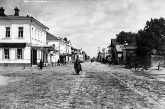 Улица Ильинская на пересечении с Малой Покровской