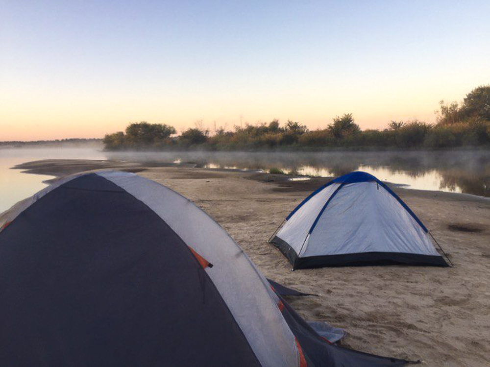 ТОП-5 мест для отдыха с палатками в Нижегородской области: нижегородские Мальдивы, водопад и дрейфующий остров