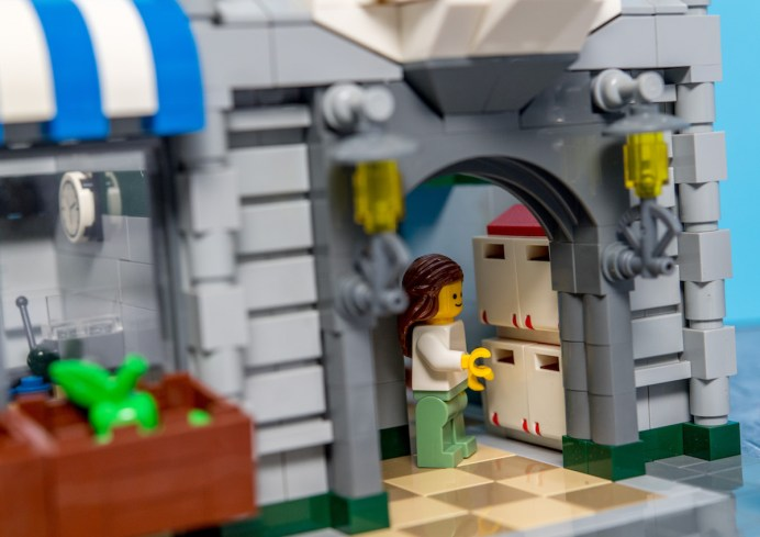Lego Modular Building_Green Grocer_3