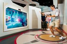 Hong Kong Disneyland_Expo Shop_Become Iron Man at The Stark Expo(1)