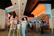 Hong Kong Disneyland_Iron Man Experience_Queue_with model (4)