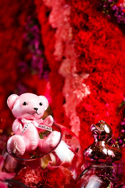 Conrad Macao 2017 Pink Inspired campaign bear and duck