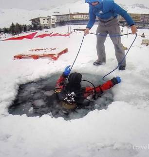 ice diving tignes