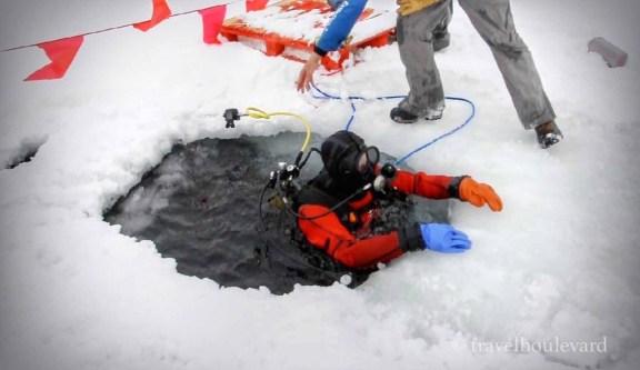 ice-diving-tignes14