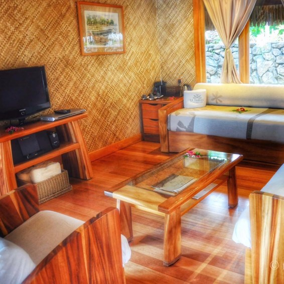 De woonkamer in de beachbungalows.