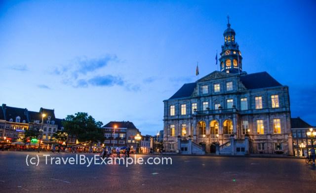 Maastricht City Hall at night