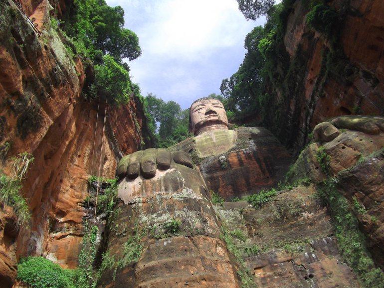 הבודהה הגדול של לשאן (צילום: נוגה פייגה)