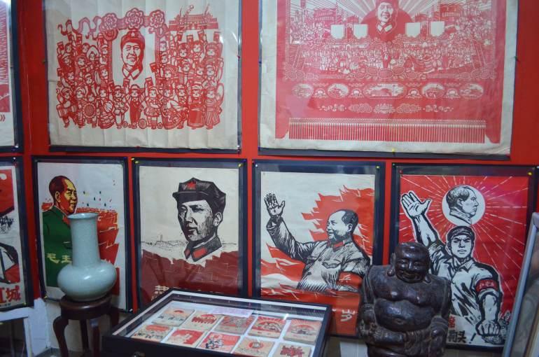 פסוטרים מתקופת המהפכה, פי שהם מוצגים במוזיאון התעמולה בשאנגחאי (צילום: נוגה פייגה)