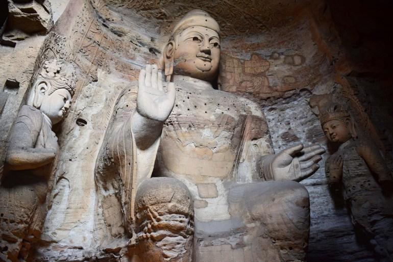 חציבה באבן ופיסול במימדים גדולים במערות יונגאנג (צילום: טל ניצן)