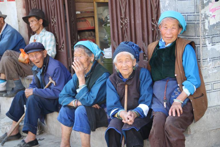 מקומיים בדאלי. רובם משתייכים למיעוט באי (צילום: יובל לוי)