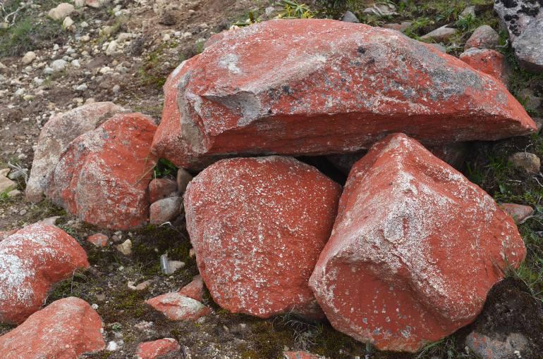 האבנים האדומות של יה-ג'יה-גנג (צילום: נוגה פייגה)