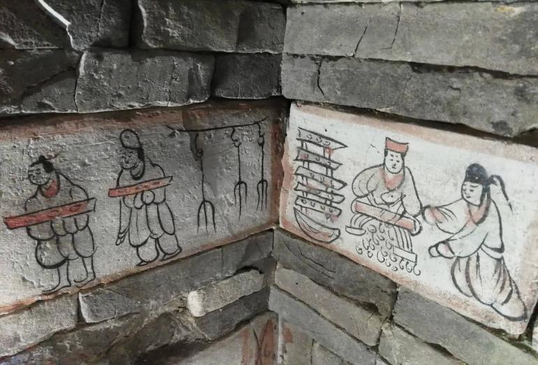 קברי ווי וג'ין. קרוב ל-800 אריחים מאויירים נמצאו (צילום: שני אפלבאום)