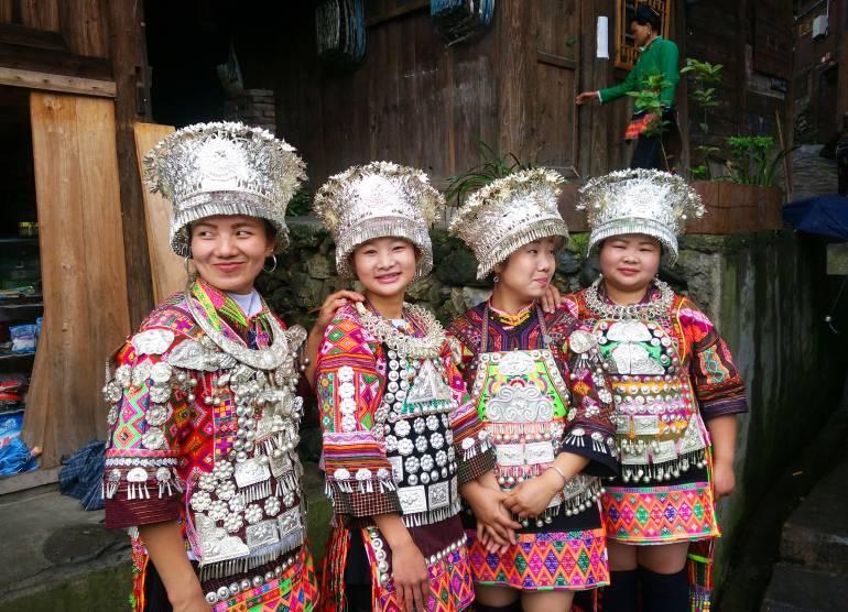 בנות מיעוט המיאו. למעלה ממחצית בני המיעוט גרים בגווידז'ואו (צילום: יובל לוי)