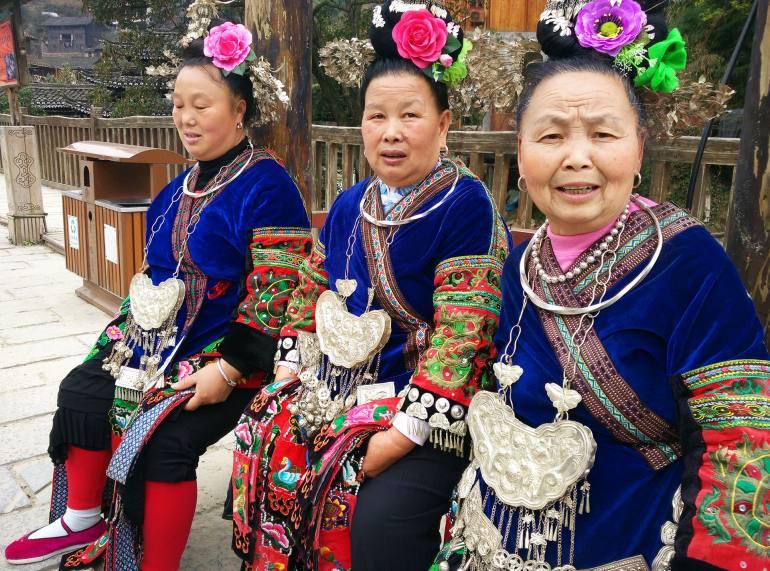 בנות המיאו. מיעוט ססגוני המורכב מקבוצות רבות (צילום: יובל לוי)