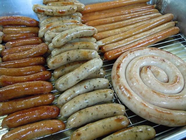 各種德國香腸搭配適合各自特性的烹調方式,香味濃郁、口感紮實