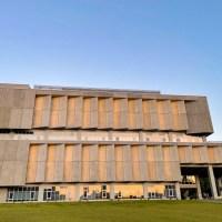 台北秘境|清水模建築竟然是圖書館 挑空設計全台最美之一