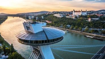 Zaproszenie do Bratysławy – nowy rozkład lotów Wizz Air