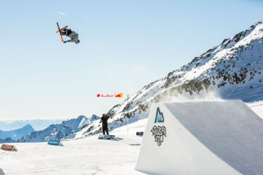 Austria, rozpoczęcie sezonu zimowego na lodowcu Stubai