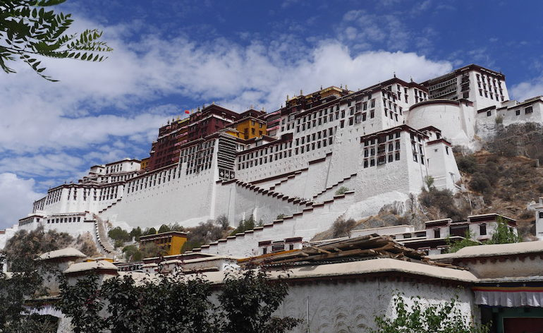 50 pictures that will make you want to visit Tibet