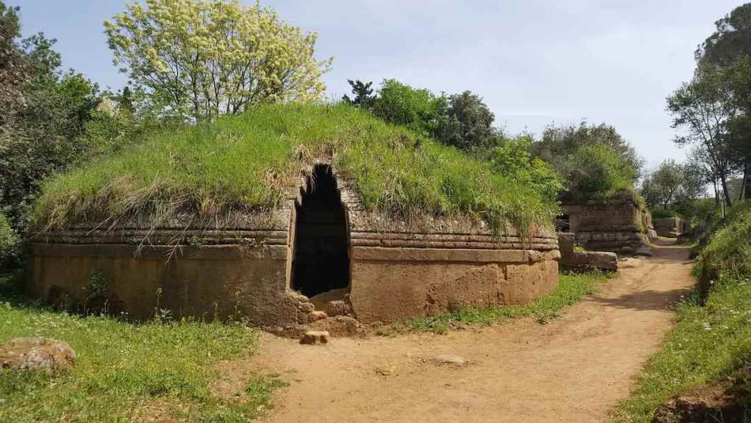etruscan-necropolis-day-trips-rome