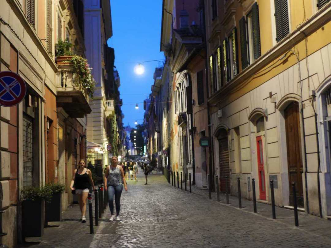 monti rome pedestrian street