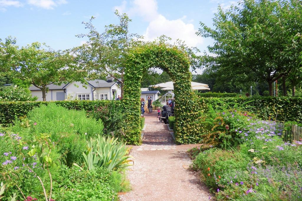 The Castle Garden of Malmö – an urban oasis - Travel Continuum