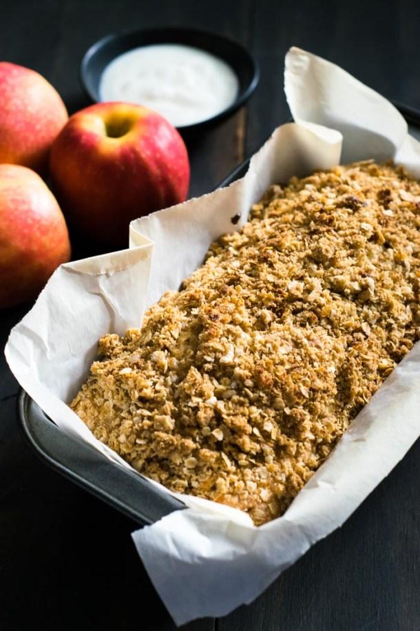 Apple Oatmeal Coffee Cake