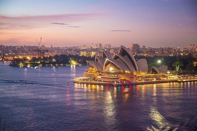 Sydney to end quarantine for vaccinated travellers