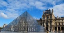 Travel Curious - Walk Mus Du Louvre