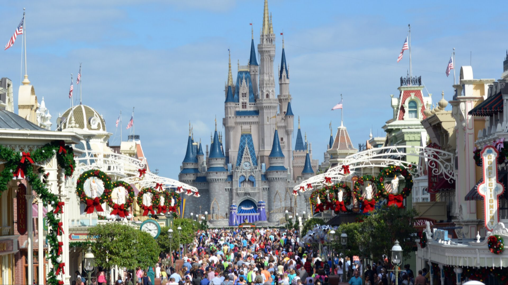 magic kingdom christmas decorations - When Does Disneyworld Decorate For Christmas