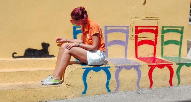 La panchina e il gatto più famosi d'Italia, a Linosa