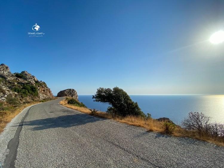 Strada deserta nel Mani, Grecia