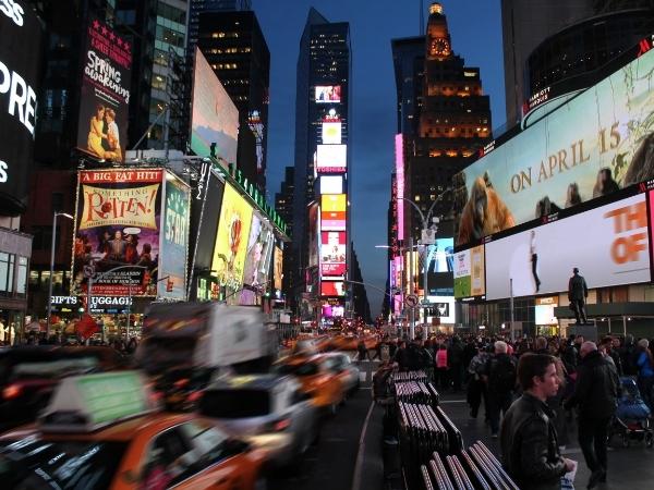 Time Square di sera a New York