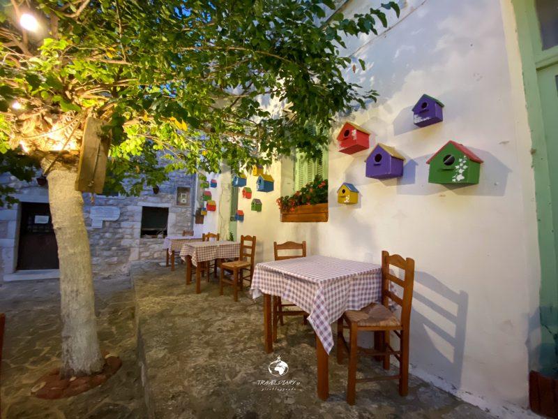 Tavolini di una taverna del centro storico