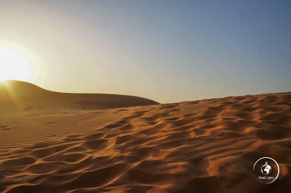 Tramonto nel deserto di Dubai